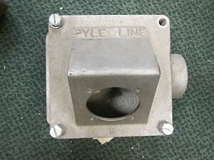 Pyle National Receptacle Base Jr7200j6ax Size 8 x8 x4 Missing 1 Cover Bolt