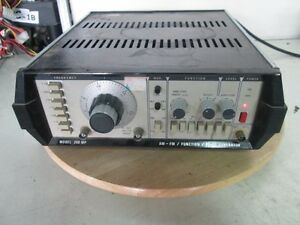 Newtronics 200 Mp Am fm function pulse Generator