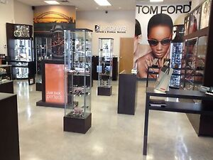 New Beautiful Showcases With Led Lights For Retail Stores