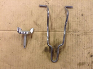 97 98 99 00 01 Jeep Cherokee Bottle Jack Retainer Wing Bolt A99