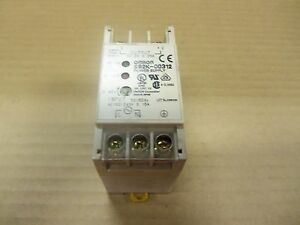 Omron S82k 00312 S82k00312 Power Supply 12v Dc 0 25 Amp 100 240v Ac 0 15 Amp