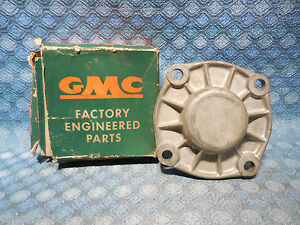1956 1965 Gmc Truck Nos Trans Rear Bearing Retainer 57 58 59 60 61 62 See Ad