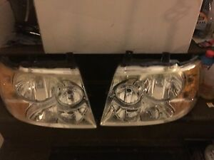 Ford Expedition Head Lamps 2003 2004 2005 2006 Right And Left Set