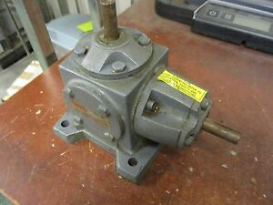 Boston Gear Right Angle Reducer Vr131 pm5 4 410hp In 151 Lb in Torque Out Used