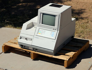 Hitachi F 2000 Fluorescence Spectrophotometer 251 0002 251 0010