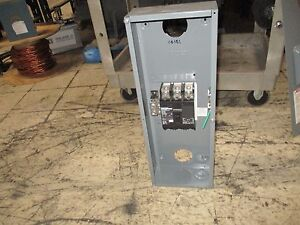 Square D Enclosed Circuit Breaker Qdl32200 200a 240v missing Cover Screws Used