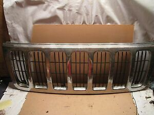 99 00 01 02 03 Jeep Grand Cherokee Grille Chrome