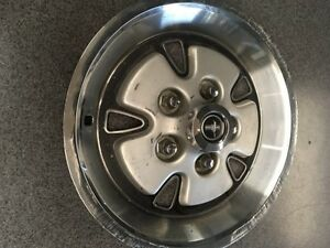 1971 Ford Mustang Hubcap