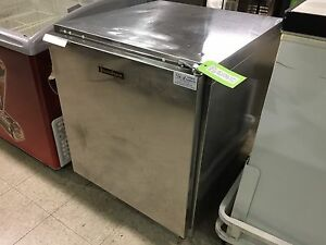 Traulsen Under Counter Cooler Model Uht27 r mau025 on Sale