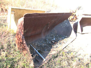 Used 108 Hydraulic Side dump Loader Material Bucket
