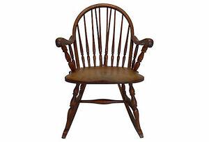 Country Style Spindle Back Rocking Chair