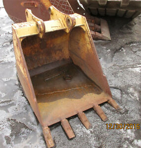Used Small 29 Digging Bucket For Excavator Or Backhoe