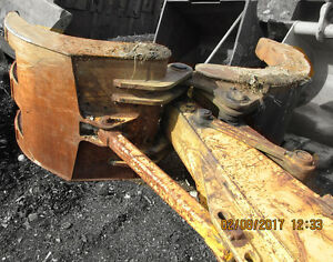 Used Excavator 3 X 2 Clamshell Grapple 45 X 60