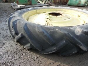 9 32 Silvertown Tractor Tire And 6 Bolt Rim Tag 3952