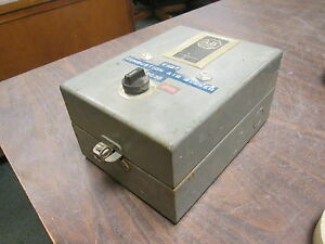 Allen bradley Enclosed Size 0 Starter 709 aaa3 120v Coil Used