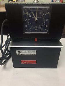 Lathem Model 3021 Heavy Duty Automatic Printing Time Clock Punch