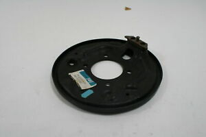 Nos Oem Genuine Gm Backing Plate 18011567 Buick Century Cutlass Celebrity 6000
