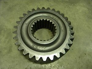 John Deere R57998 Pinion Shaft Gear 4640 4840