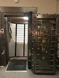 York Safe And Lock Company Bank Vault Door Safe Vintage