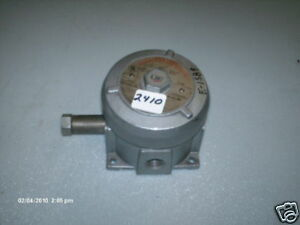 United Electric Press Switch J110 670 X proof 50 1000