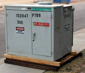 Balteau Standard Inc Psd 0319 Distribution Transformer 300kva 4160v 208y 120v