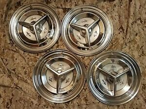 1956 56 Oldsmobile Jetstar Starfire Rocket Holiday Fiesta Wheel Hub Caps Oem