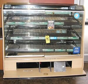 Bakery Donut Doughnut Glass Display Case Lighted Merchandiser 3 Very Wide Levels