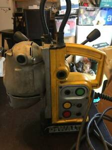Dewalt Magnetic Drill Press Dw151 120vac 60hz Working Great