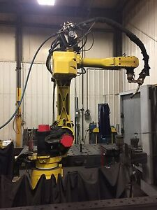 Fanuc 120il Rj2 Welding Robot With Water Cooled Powerwave 450 Weld Equipment
