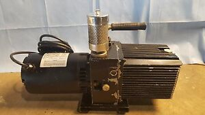 Sargent welch Directorr Vacuum Pump Model 88217 04