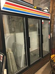 True 3 glass Door Merchandising Refrigerator Gdm 72