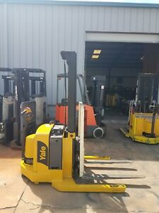 Yale Electric Stacker Forklift W Side Shift Max 4000 Lbs Runs Great
