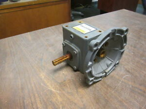 Boston Gear Reducer F713 5 b5 g Ratio 5 1 1 39hp In 235 In lbs Torque Out Used