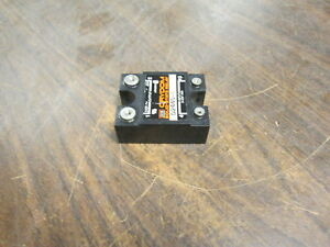 Crydom Solid State Relay D2440 b Input 3 32vdc Output 240vac 40a Used