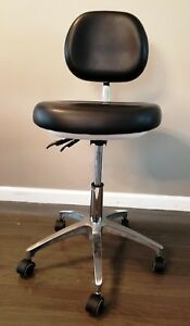 Premium Quality Dental Doctor s Stool Adjustable Mobile Chair