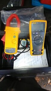 Fluke Multimeter 77 Lll With Optional I470 600 Amp a c d c amp Clamp