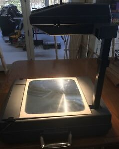 3m Visual Systems Division Overhead Projector Compact Briefcase Model 2000ag