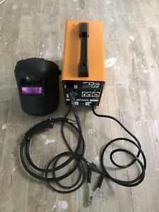 Mig 130 Welder Flux Core Wire Automatic Feed Welding Machine With Helmet