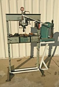 Dake 25h Hand Operated 25 Ton Hydraulic H frame Press With No 3 Arbor Press