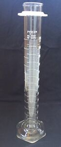 Corning Pyrex Glass 250ml Graduated Cylinder New Old Stock 3024 C1980