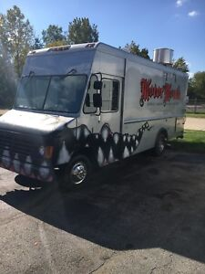1996 Chevy P30 Food Truck Low Miles Super Clean