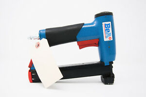 Bea 92 25 553f Pneumatic 18 Gauge 5 16 Crown Flare Stapler