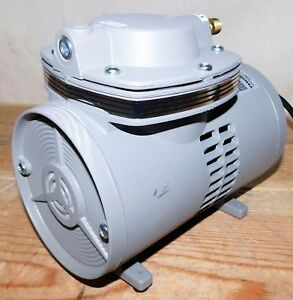 Thomas 900 58 Vacuum Pump 1 15 Hp