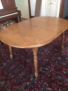 Vintage Solid Maple Kitchen Dining Table One Leaf Spindle Legs Heavy 58 L X 40