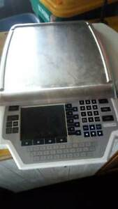 Hobart Quantum Digital Deli grocery Scale Scale With Printer