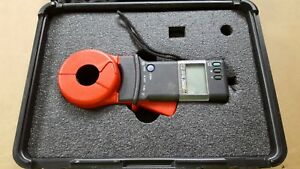 Aemc Instruments 3711 Clamp on Ground Resistance Tester With Case And Manual