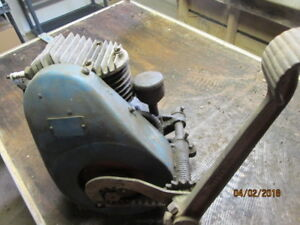 Antique Briggs Stratton Model L1 Gas Engine With Kick Start Collectible