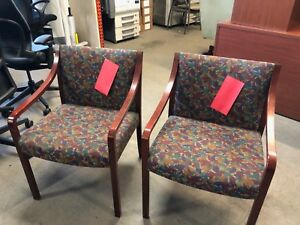Lot Of 2 Guest Lobby Side Chairs By Steelcase Office Furniture W Wood Frame