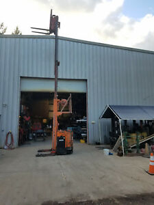 Reach Lift Forklift Raymond 4000 23 Feet Lift And Side Shift With Charger