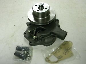 Water Pump Ar92641 R70612 Fits J D 2940 2950 3040 3140 3340